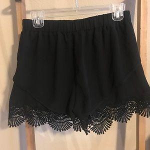TCEC Shorts - NWOT black shorts with crochet detail. Size L